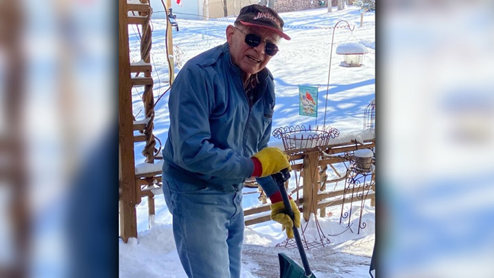 92-Year-Old Local Hero Shovels Snow For His Neighbor